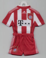 FC Bayern München - Home 2010-2011 - Thanks to TOPteams