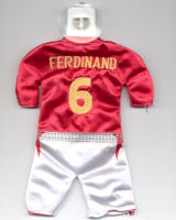 England - #6 - Rio Ferdinand - Issued by McDonald's (#6 during Euro 2004 was actually Sol Campbell)